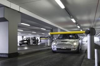 parking_entrance_boom-down_1810_lo